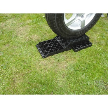 Caravan Wheel Milenco Stacka Level Blocks Starter Pack Of 3